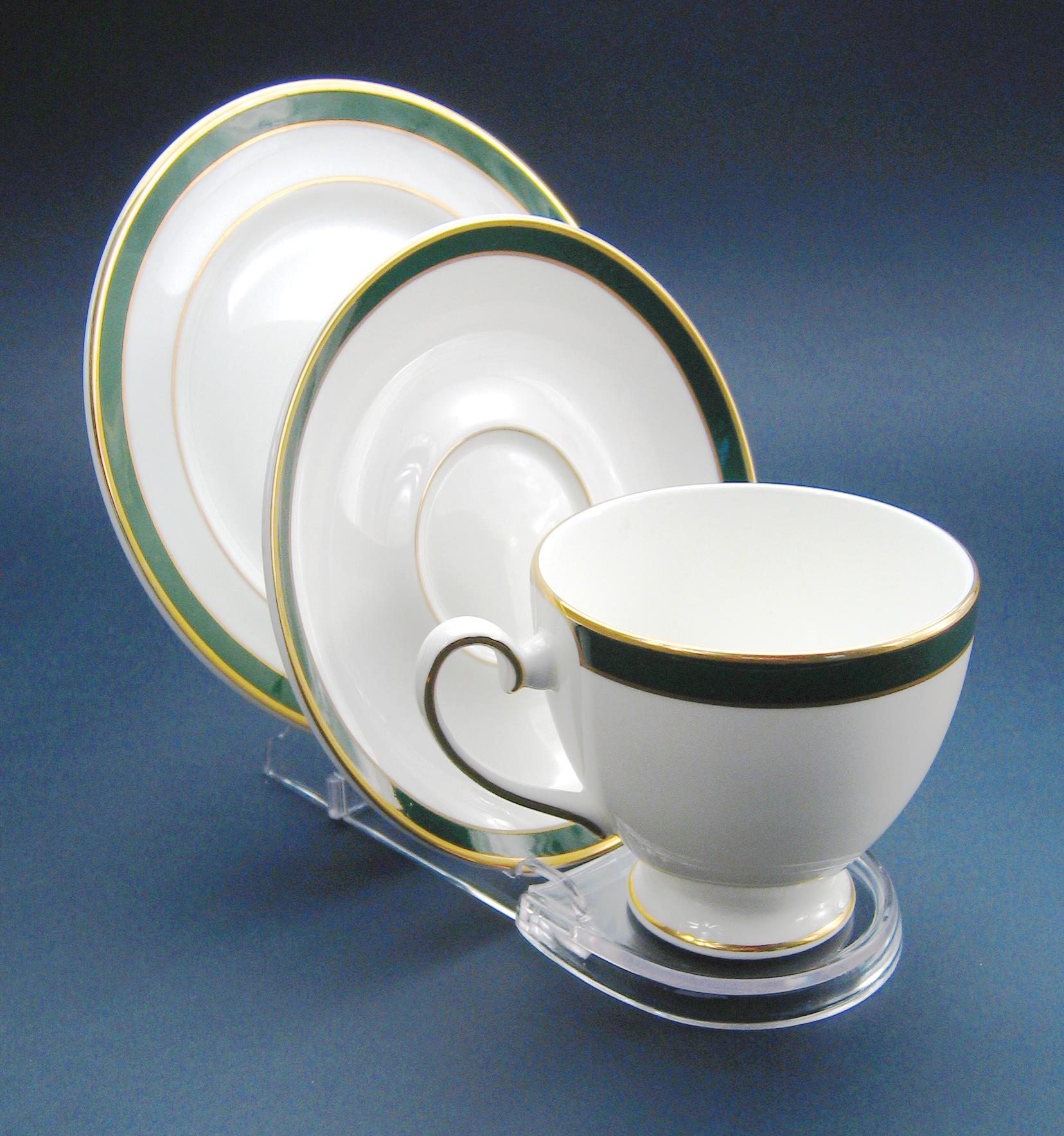 Cup, Saucer & Plate Clear Stand